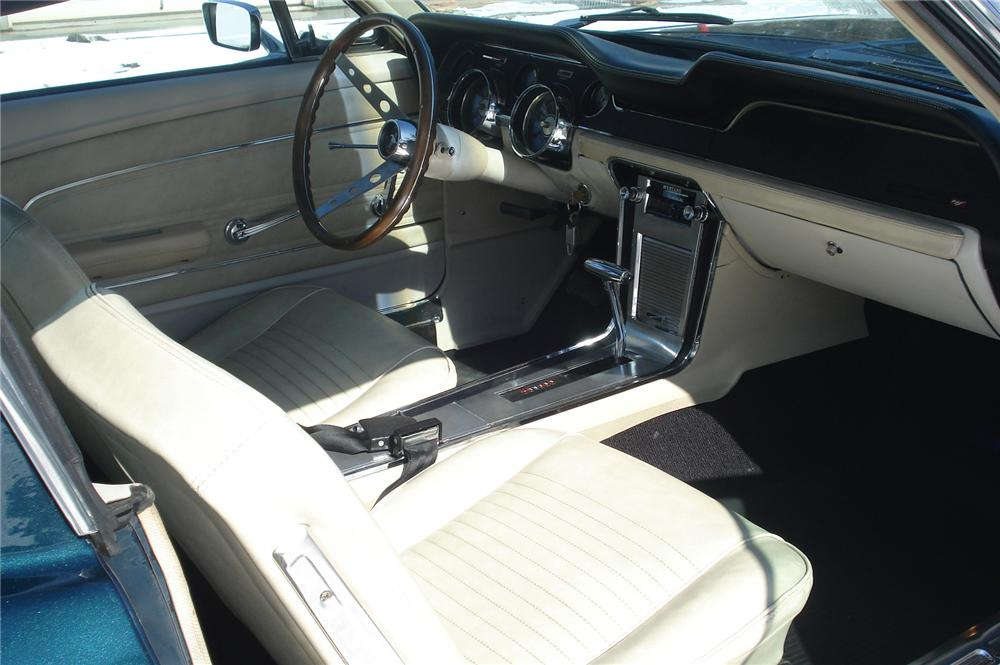 1967 FORD MUSTANG FASTBACK - Interior - 75425