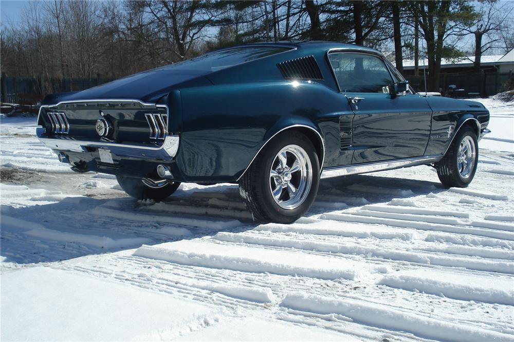 1967 FORD MUSTANG FASTBACK - Rear 3/4 - 75425
