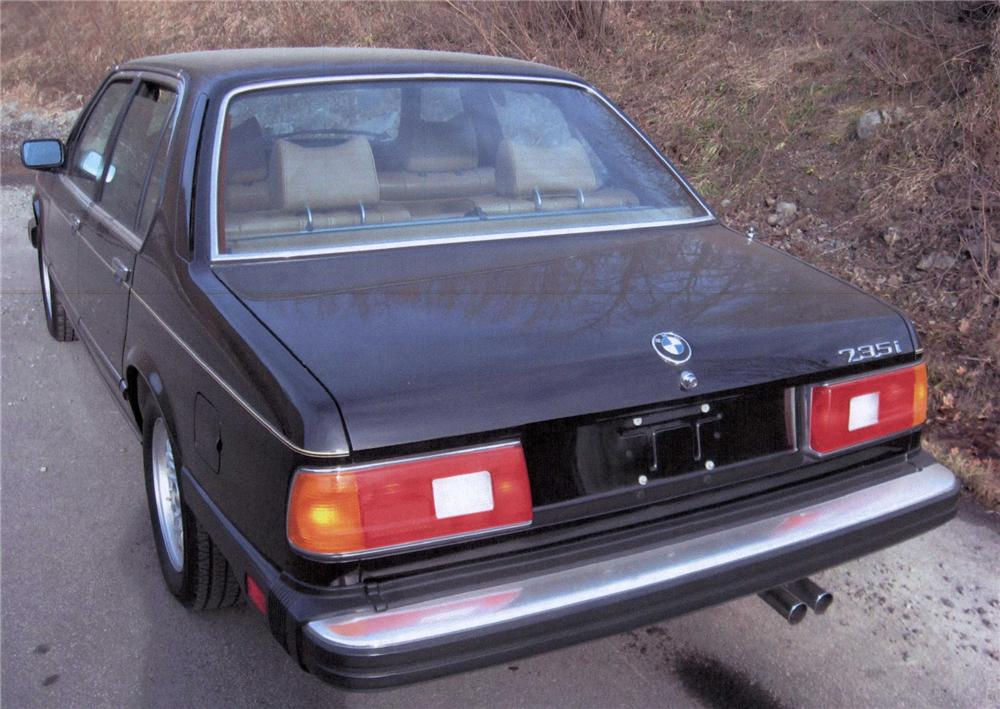 1985 BMW 735 I 4 DOOR SEDAN - Rear 3/4 - 75458