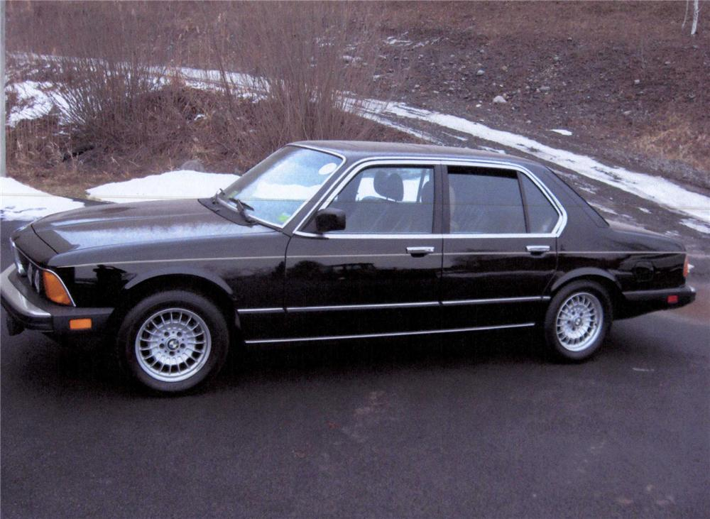 1985 BMW 735 I 4 DOOR SEDAN - Side Profile - 75458