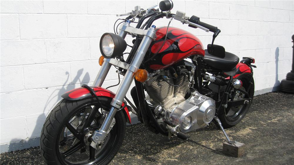 2001 CONFEDERATE HELLCAT MOTORCYCLE - Front 3/4 - 75465