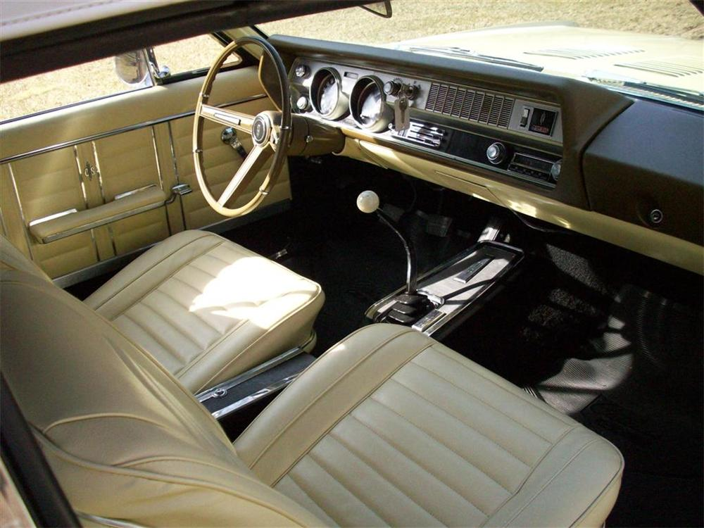 1967 OLDSMOBILE CUTLASS 442 CONVERTIBLE - Interior - 75507