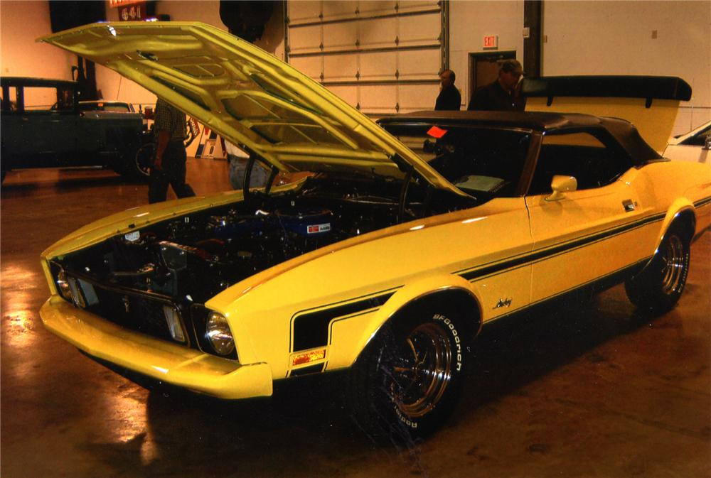 1973 FORD MUSTANG CONVERTIBLE - Front 3/4 - 75718