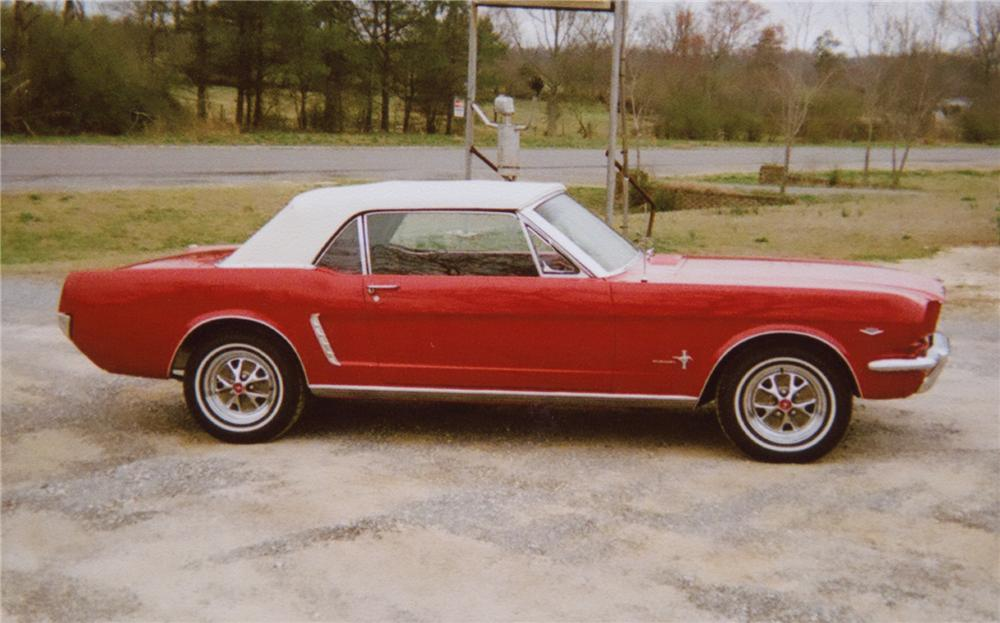 1965 FORD MUSTANG CONVERTIBLE - Side Profile - 75721
