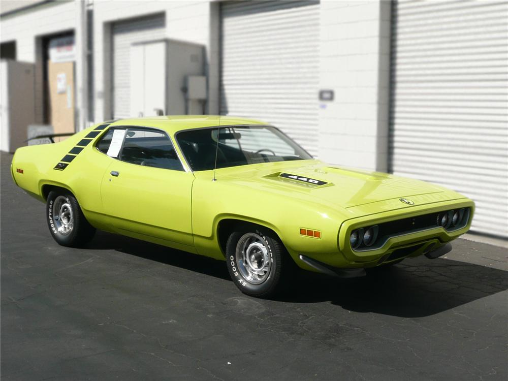 1971 PLYMOUTH ROAD RUNNER COUPE - Front 3/4 - 79042