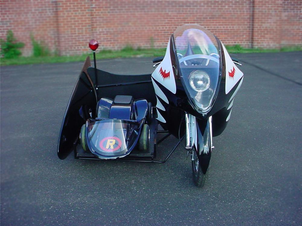 1966 YAMAHA CUSTOM BATCYCLE - Front 3/4 - 79078