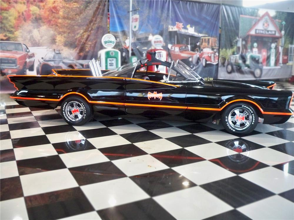 "1974 LINCOLN 2 DOOR ""BATMOBILE RE-CREATION"" - Side Profile - 79094"