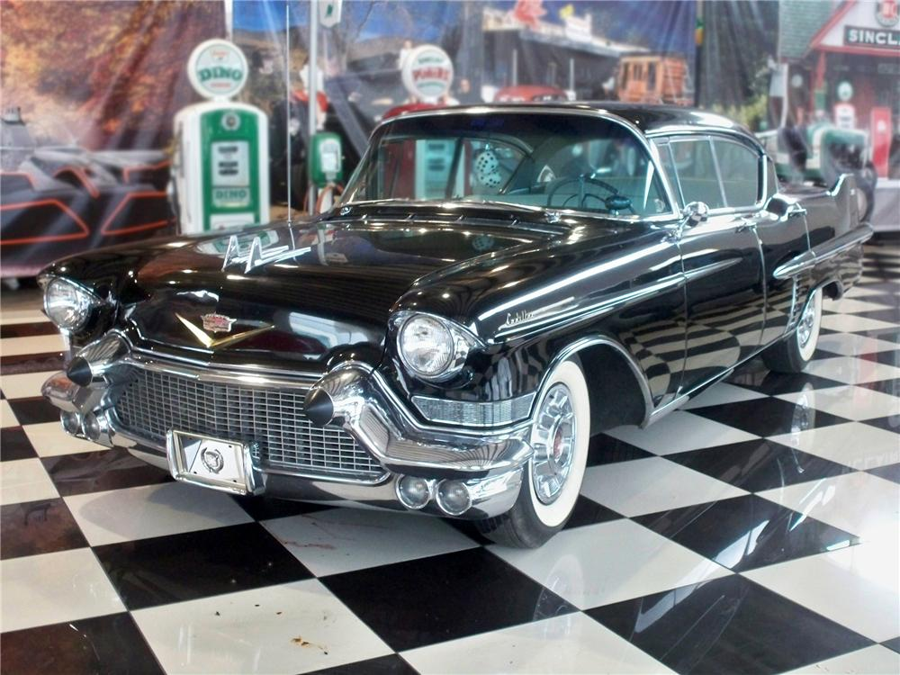 1957 CADILLAC FLEETWOOD 4 DOOR SEDAN - Front 3/4 - 79112