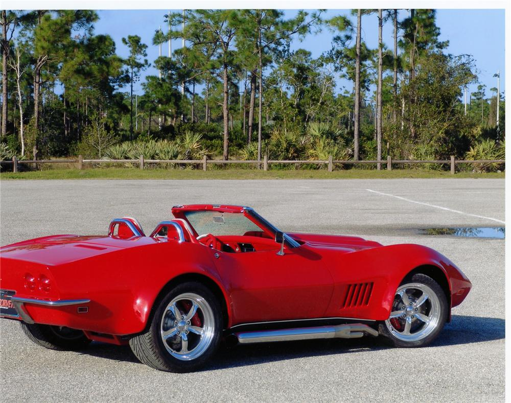 1968 CHEVROLET CORVETTE CUSTOM ROADSTER - Rear 3/4 - 79118
