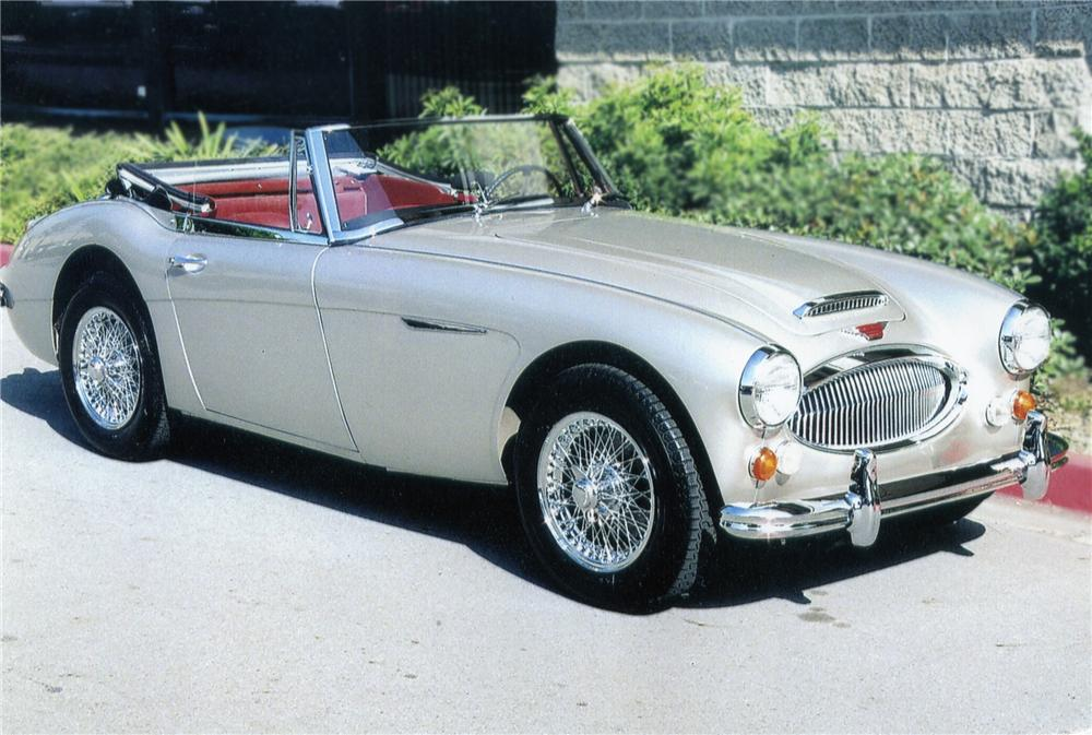 1967 AUSTIN-HEALEY 3000 MARK III BJ8 SPORTS CONVERTIBLE - Front 3/4 - 79122
