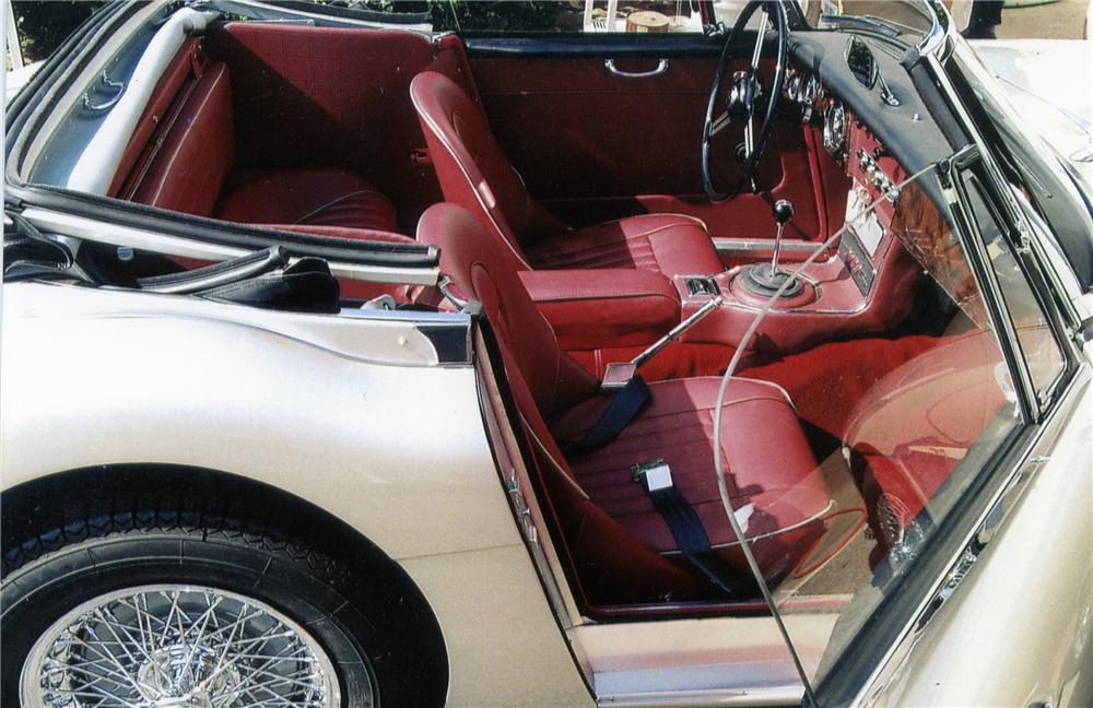 1967 AUSTIN-HEALEY 3000 MARK III BJ8 SPORTS CONVERTIBLE - Interior - 79122