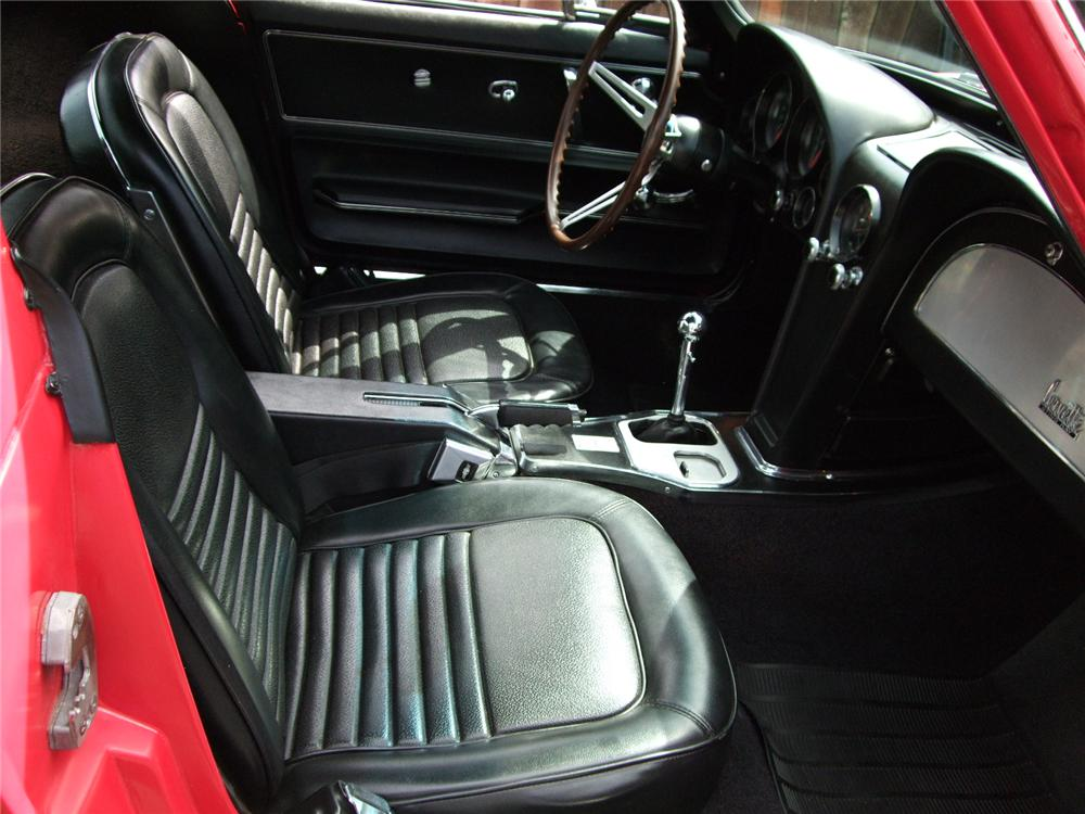 1967 CHEVROLET CORVETTE COUPE - Interior - 79129