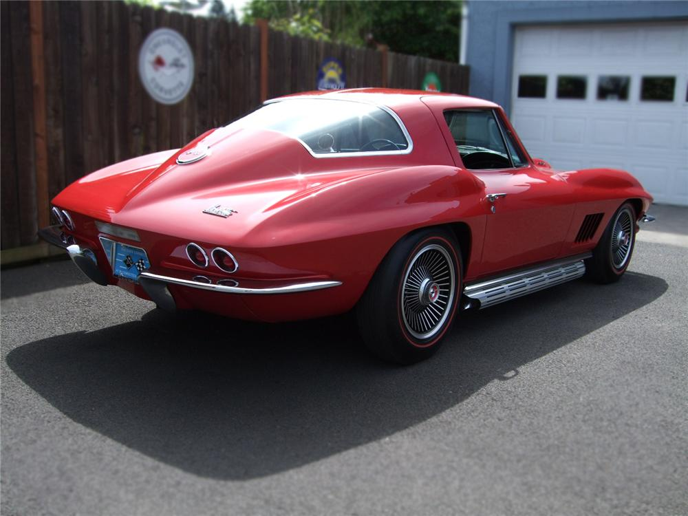 1967 CHEVROLET CORVETTE COUPE - Rear 3/4 - 79129