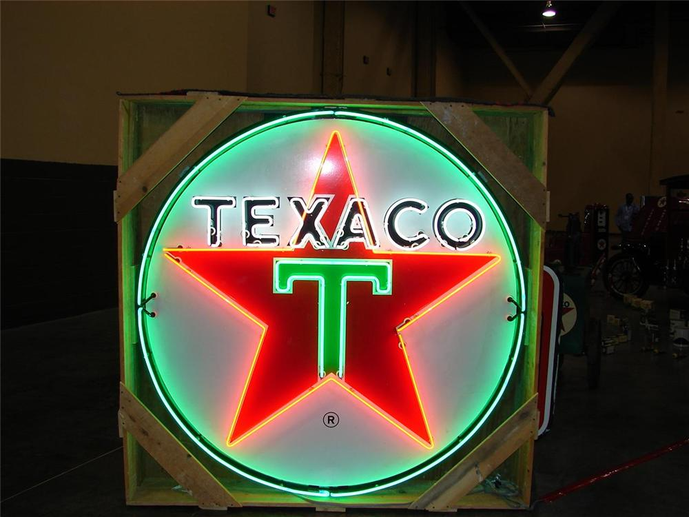 0 TEXACO OIL MUSEUM INCLUDING 180 PIECES OF TEXACO MEMORABILIA - Engine - 79136