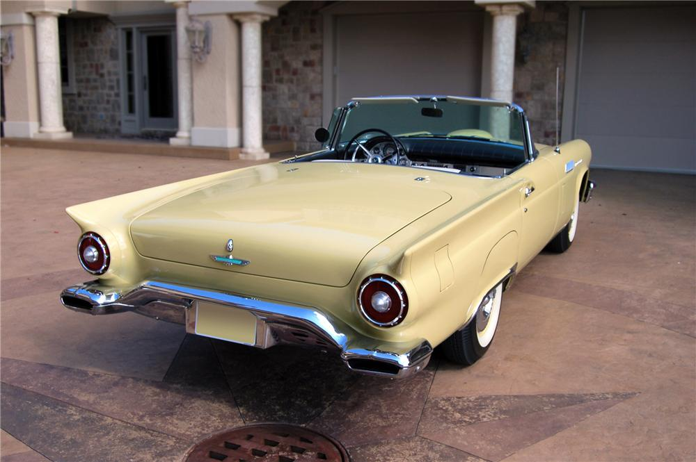 1957 FORD THUNDERBIRD CONVERTIBLE - Rear 3/4 - 79149