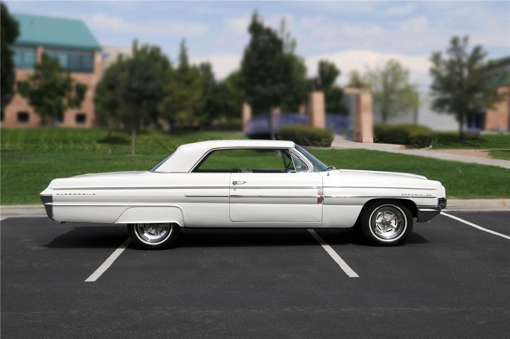 1962 OLDSMOBILE DYNAMIC 88 2 DOOR HARDTOP - Side Profile - 79162