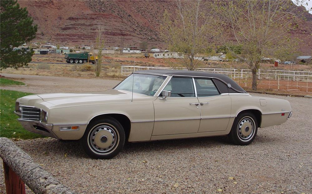 1971 FORD THUNDERBIRD 4 DOOR HARDTOP - Side Profile - 79163