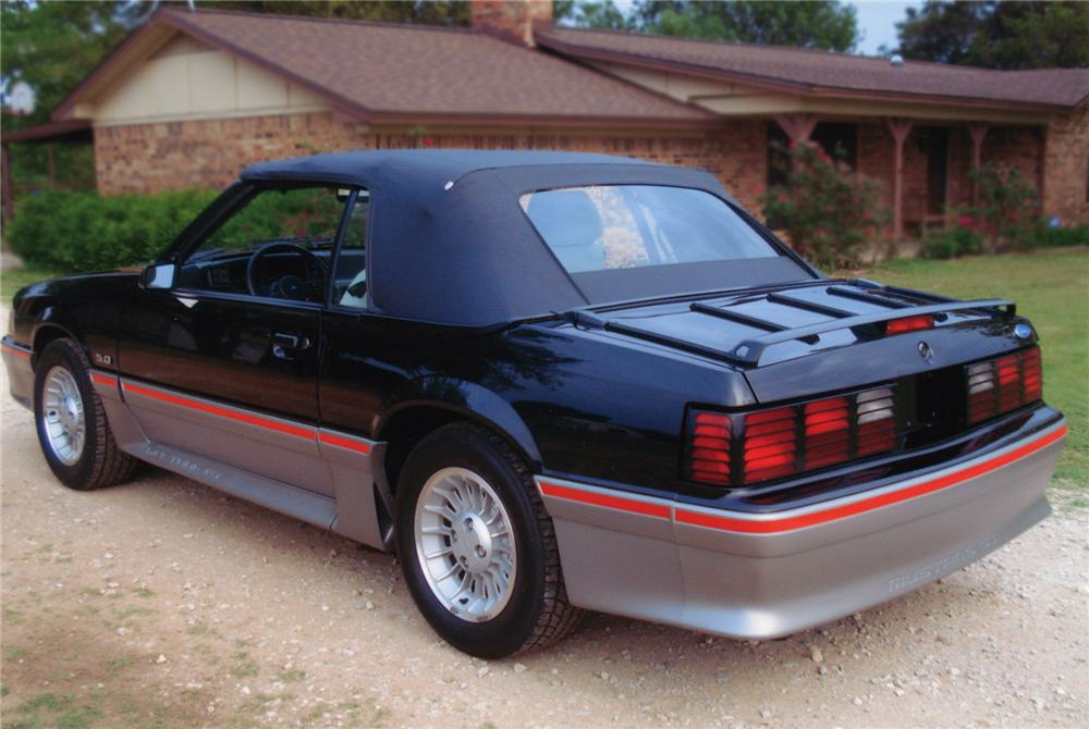 1988 FORD MUSTANG GT CONVERTIBLE - Rear 3/4 - 79174