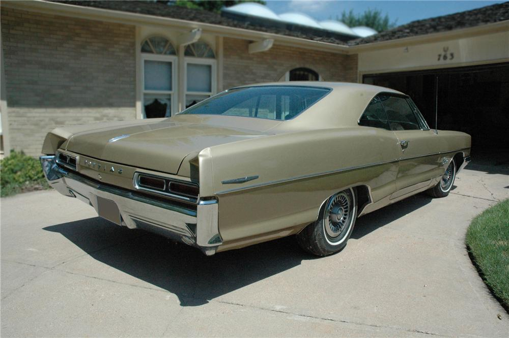 1966 PONTIAC CATALINA 2 DOOR HARDTOP - Rear 3/4 - 79183
