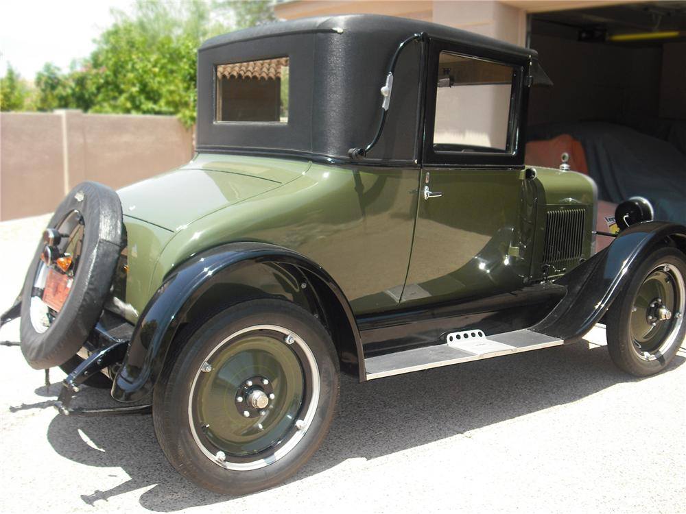 1926 CHEVROLET LANDAU SERIES V COUPE - Rear 3/4 - 79256