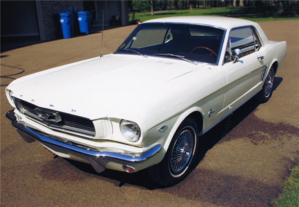 1966 FORD MUSTANG COUPE - Front 3/4 - 79293