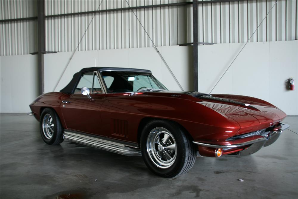"1967 CHEVROLET CORVETTE CONVERTIBLE ""BRUCE WILLIS"" - Front 3/4 - 79518"