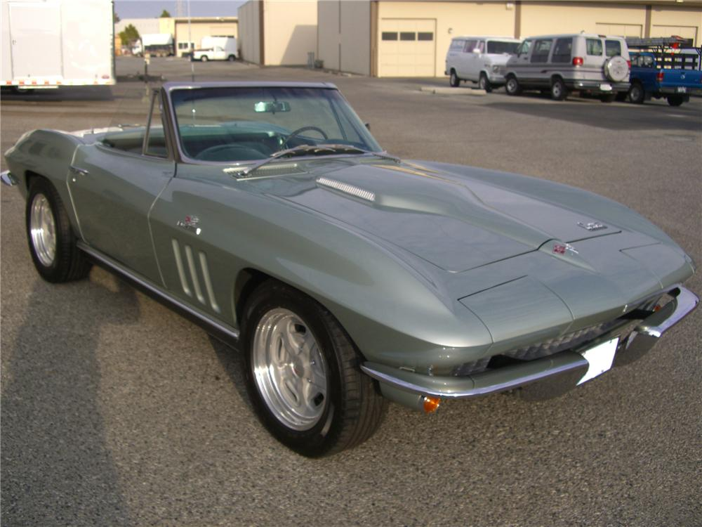 1966 CHEVROLET CORVETTE CONVERTIBLE - Front 3/4 - 79597