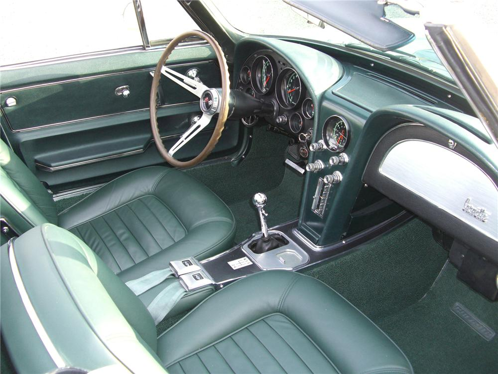 1966 CHEVROLET CORVETTE CONVERTIBLE - Interior - 79597