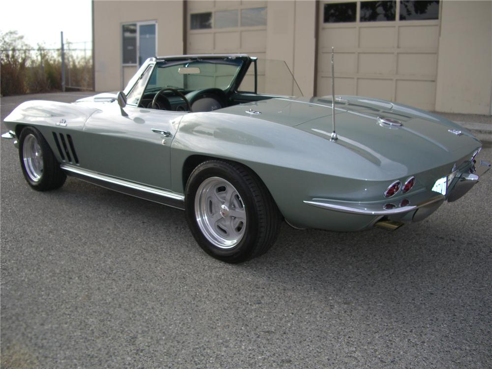 1966 CHEVROLET CORVETTE CONVERTIBLE - Rear 3/4 - 79597