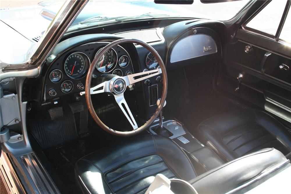 1966 CHEVROLET CORVETTE CONVERTIBLE - Interior - 79599