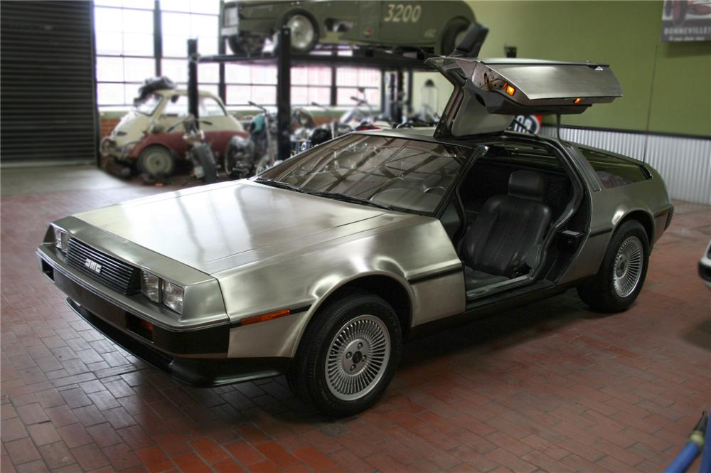 1981 DELOREAN GULLWING COUPE - Front 3/4 - 79600