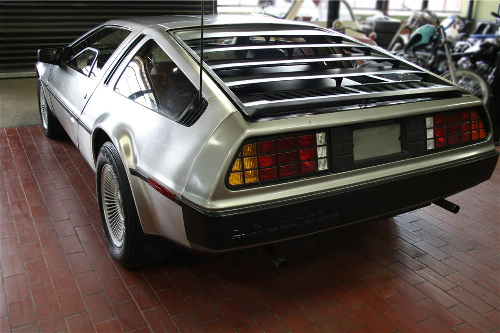 1981 DELOREAN GULLWING COUPE - Rear 3/4 - 79600