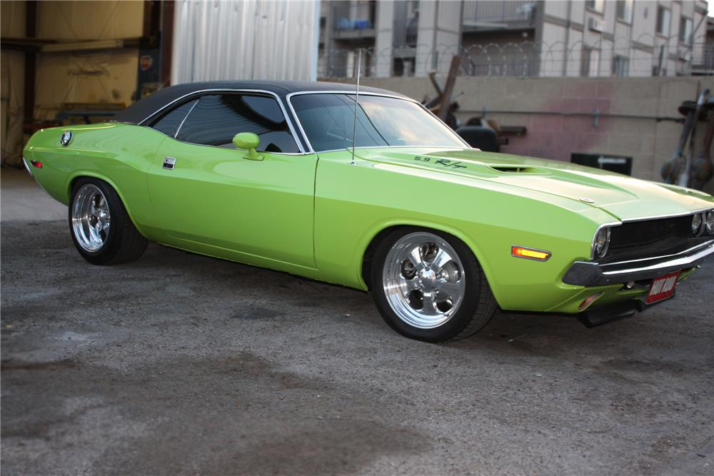 1970 DODGE CHALLENGER CUSTOM 2 DOOR HARDTOP - Front 3/4 - 79609
