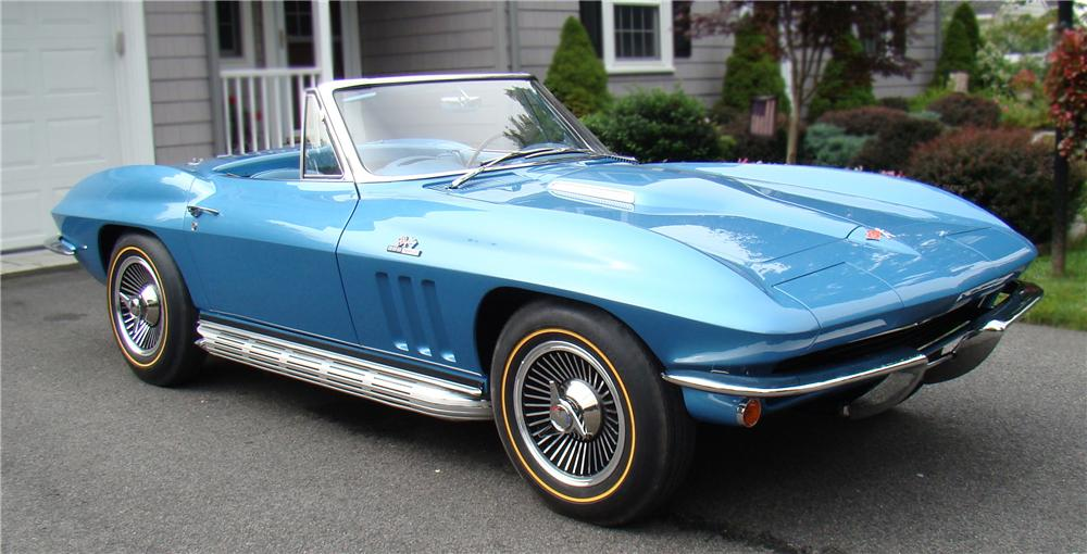 1965 CHEVROLET CORVETTE CONVERTIBLE - Front 3/4 - 79612