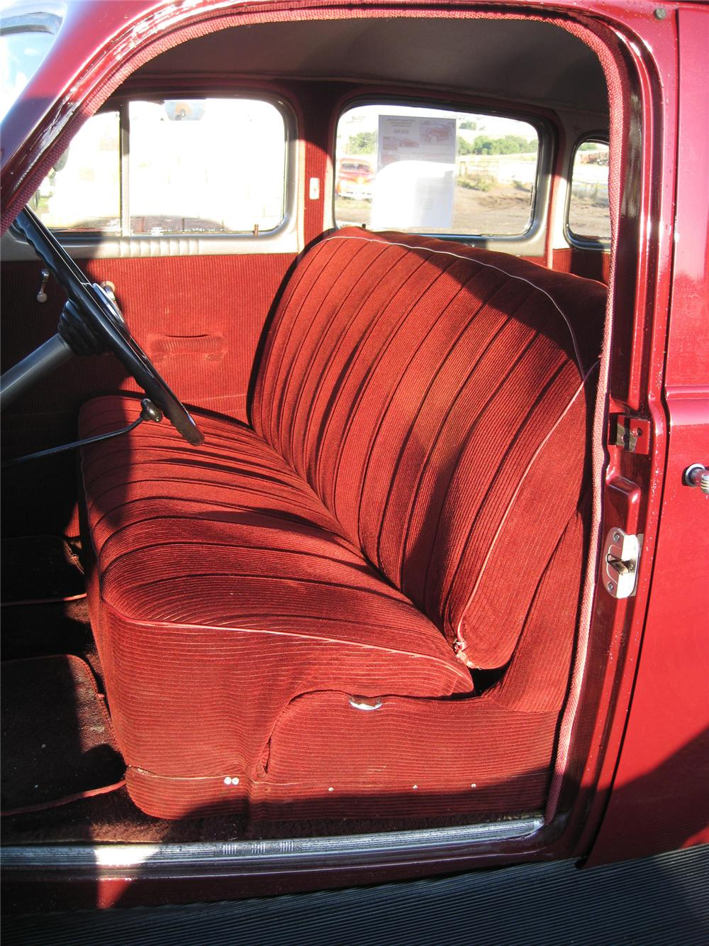 1938 PONTIAC 4 DOOR SEDAN - Interior - 79647