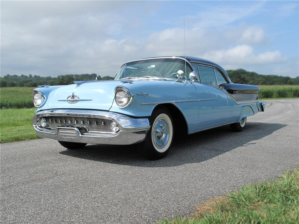 1957 OLDSMOBILE 98 2 DOOR HARDTOP - Front 3/4 - 79704