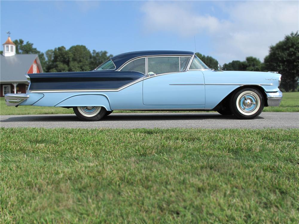 1957 OLDSMOBILE 98 2 DOOR HARDTOP - Side Profile - 79704