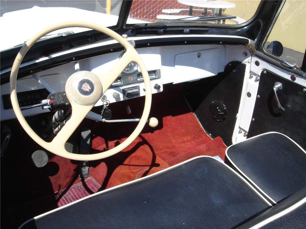 1950 WILLYS JEEPSTER PHAETON - Interior - 79758