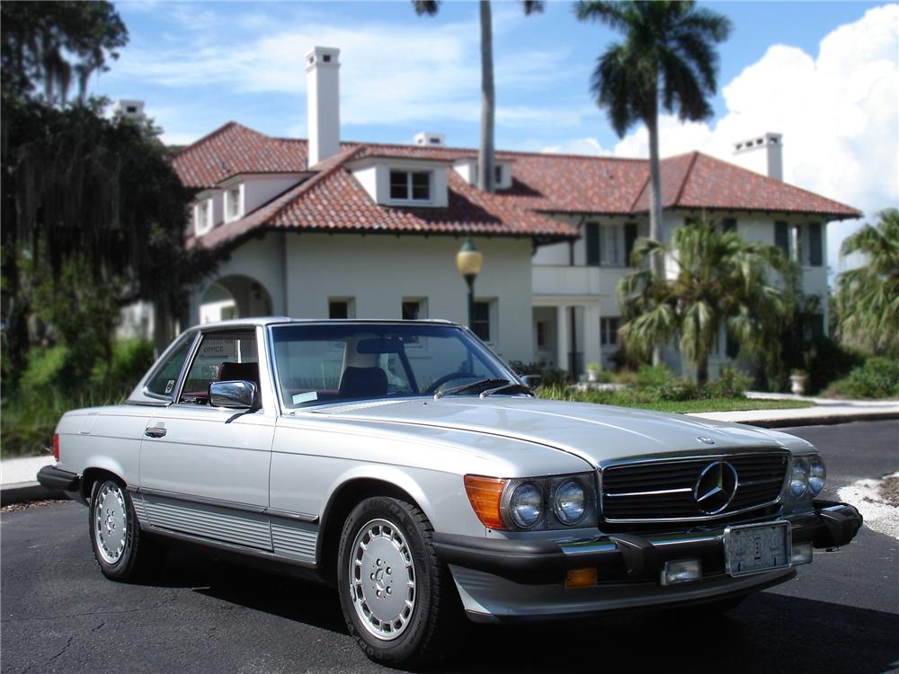 1987 MERCEDES-BENZ 560SL CONVERTIBLE - Front 3/4 - 79777