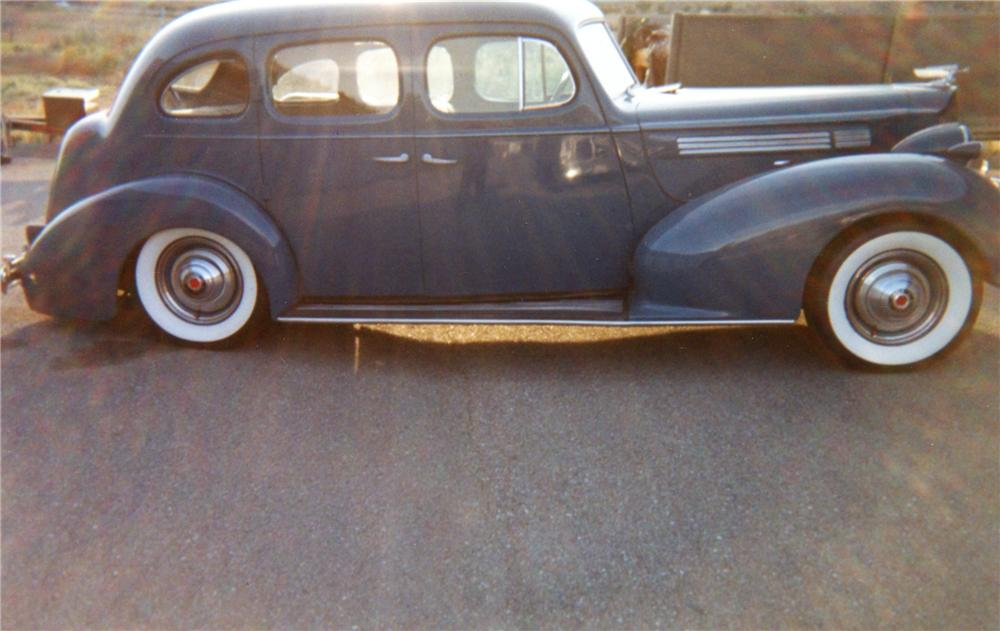 1939 PACKARD SERIES 1701 4 DOOR SEDAN - Front 3/4 - 79878