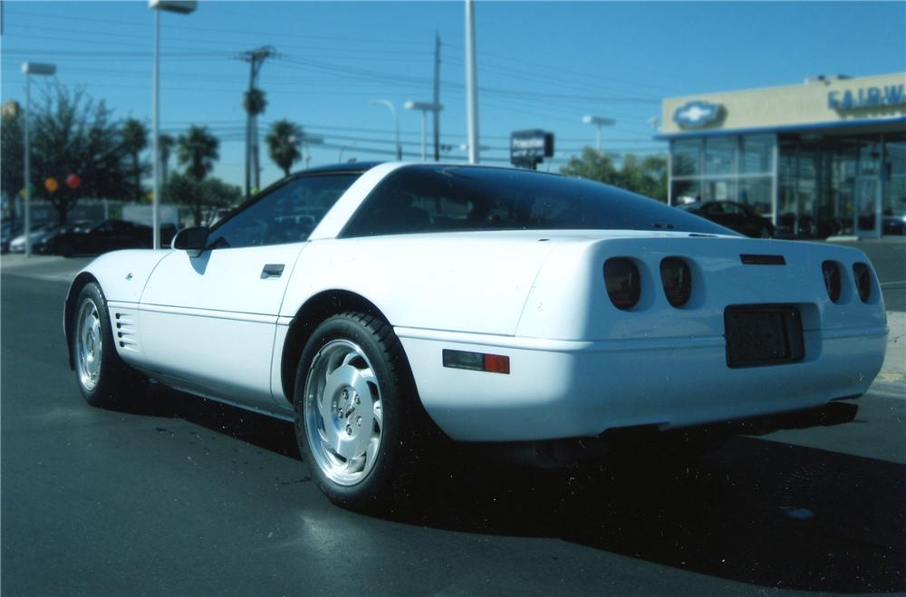 1993 CHEVROLET CORVETTE 2 DOOR COUPE - Rear 3/4 - 79895