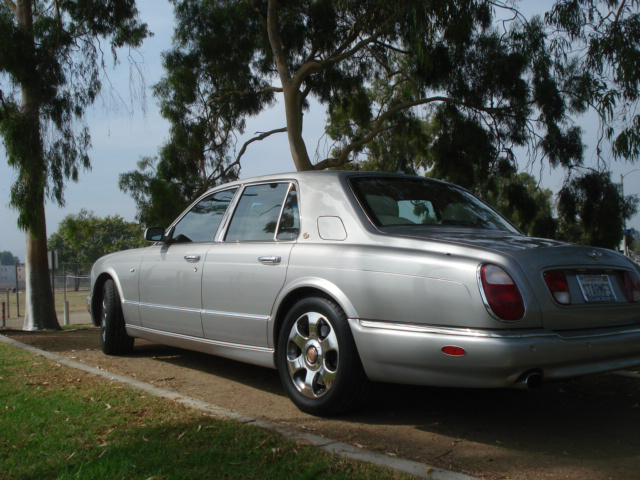 2000 BENTLEY ARNAGE 4 DOOR SEDAN - Rear 3/4 - 79899