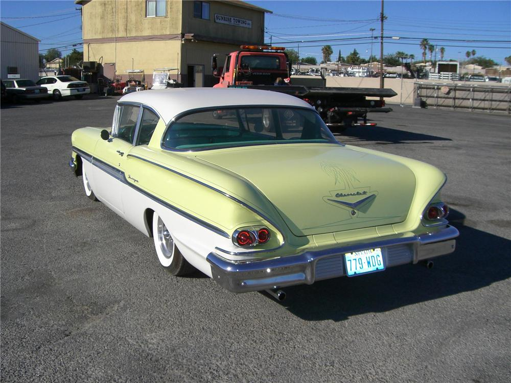 1958 CHEVROLET BISCAYNE 2 DOOR SEDAN - Rear 3/4 - 79900