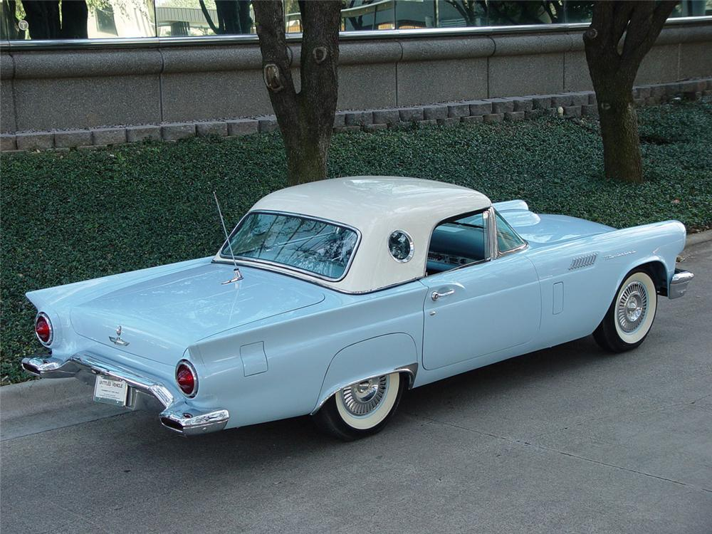 1957 FORD THUNDERBIRD CONVERTIBLE - Rear 3/4 - 80904