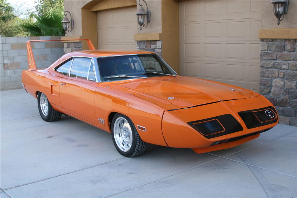 1970 PLYMOUTH HEMI SUPERBIRD CUSTOM COUPE - Front 3/4 - 80918