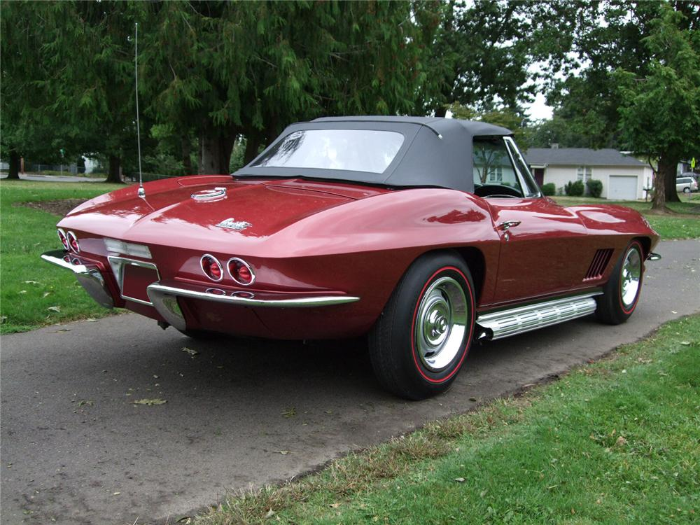 1967 CHEVROLET CORVETTE CONVERTIBLE - Rear 3/4 - 80920