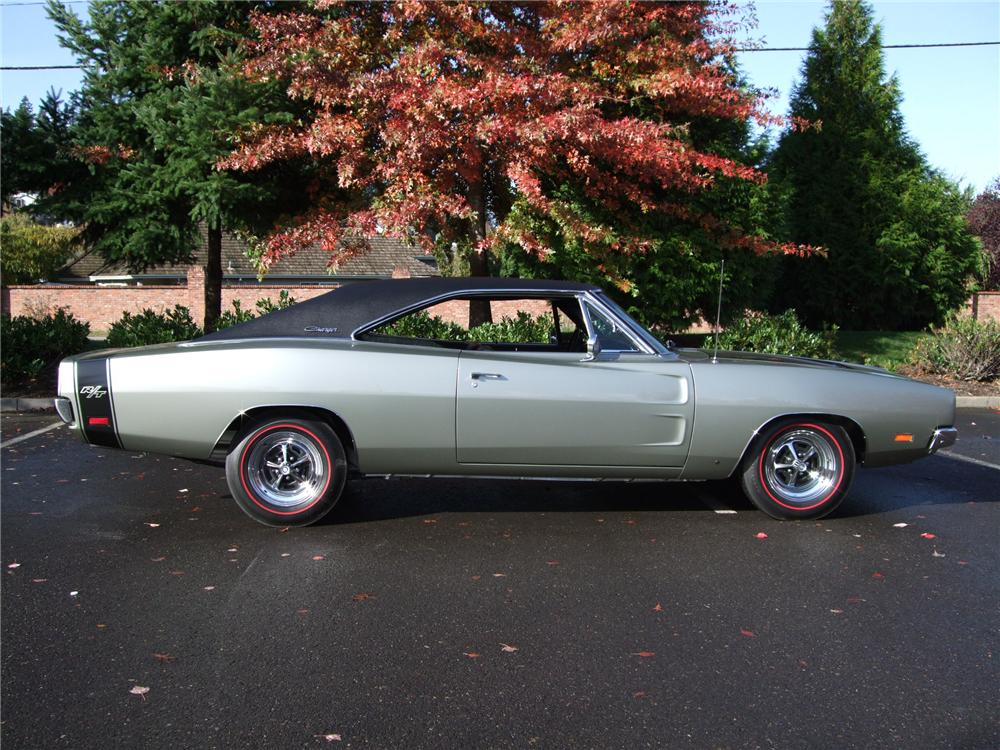 1969 DODGE CHARGER R T 2 DOOR HARDTOP