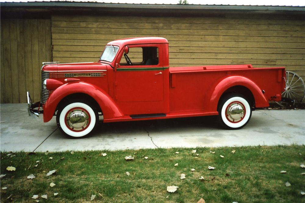 1938 DIAMOND T 201 PICKUP - Side Profile - 80933