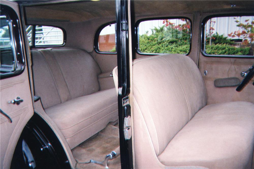1935 CADILLAC SERIES 10 4 DOOR SEDAN - Interior - 80945
