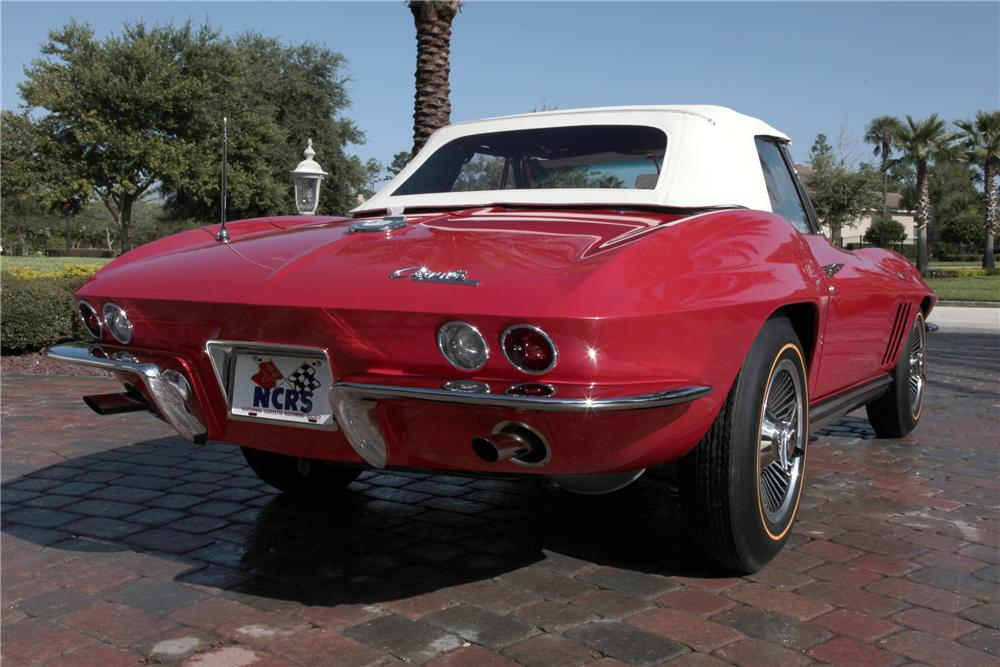 1965 CHEVROLET CORVETTE CONVERTIBLE - Rear 3/4 - 80963